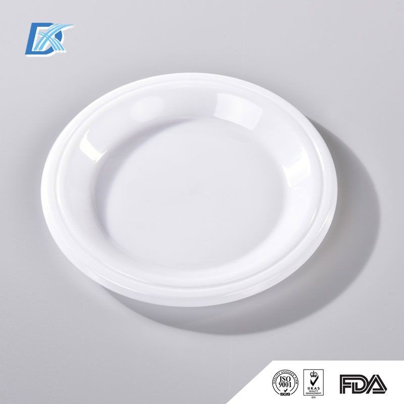 Custom round plastic plates are customizable and perfect for barbecues parties and quick-serve restaurants. & Custom round plastic plates are customizable and perfect for ...