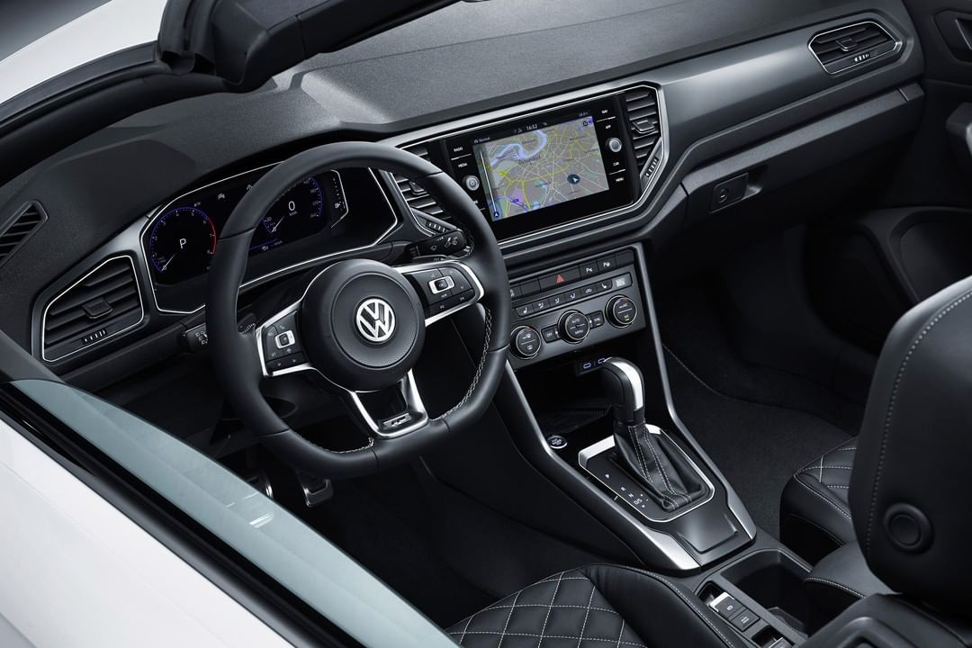 Take A Look Inside The New Volkswagen T Roc Cabriolet Cabriolets Volkswagen Best Crossover