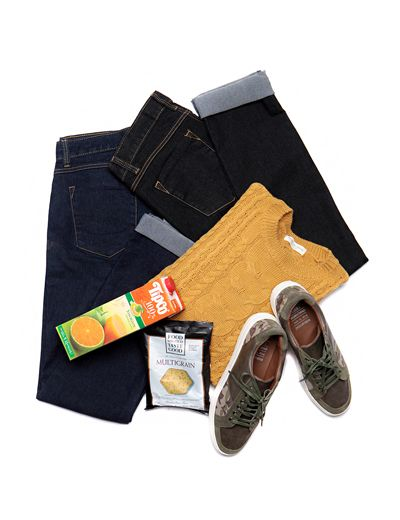 Sport a totally stylish look to up your street cred with these contrast stitch slim jeans. A casual classic, these would complement most of your shirts and tees plus sneakers, boots, or sneakers! - Belt loops - Button closure - Zipper closure - 5 basic pockets - Straight yoke - Slim fit - Colors: Dark Blue, Black Denim