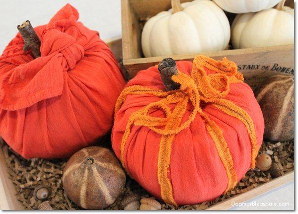 Make Your Own Toilet Paper Pumpkins Paper pumpkin, Toilet paper - halloween decorations to make on your own