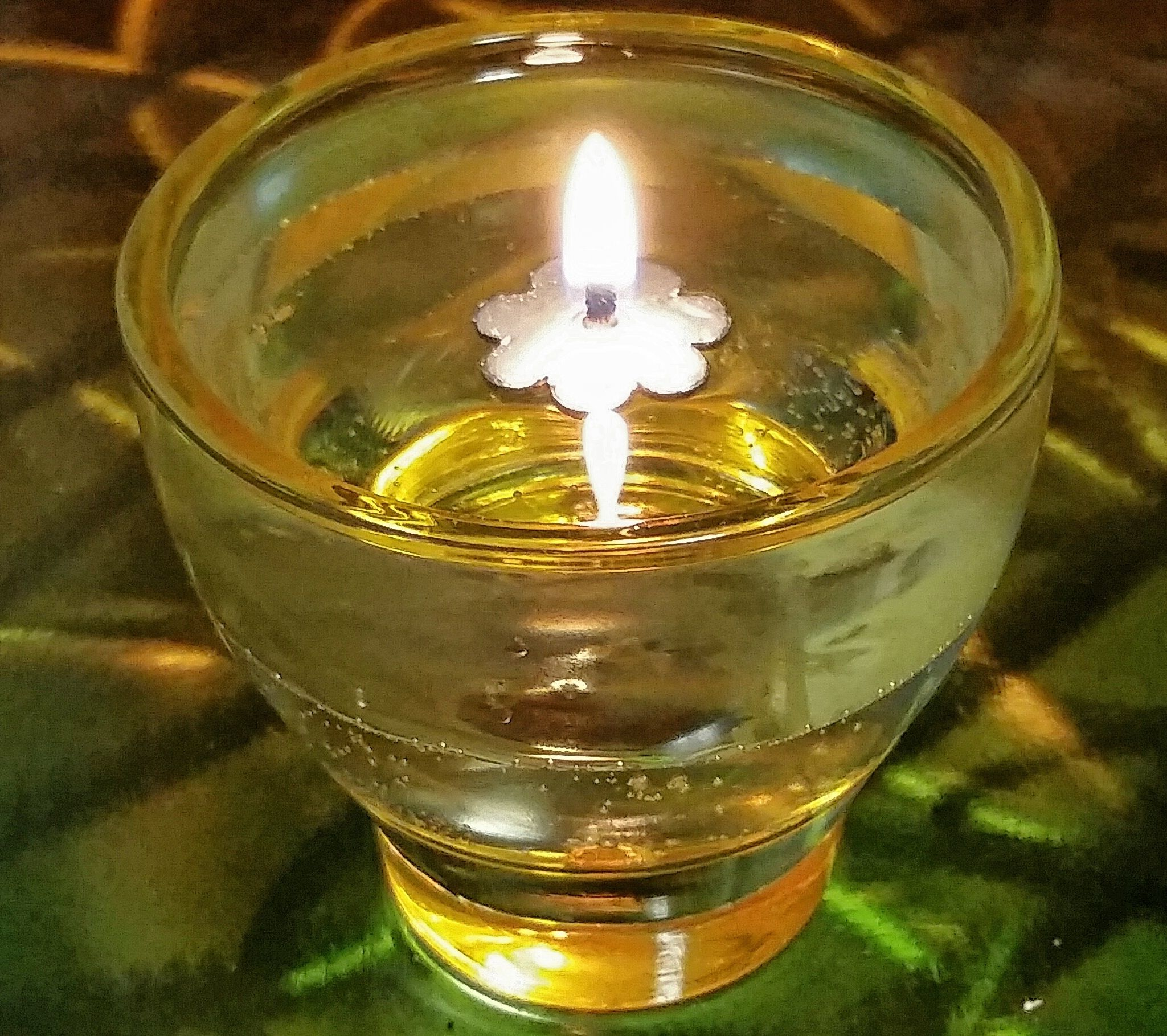 Illuminate Your Home With The Soft Glow Of An Oil Water Lamp Very Simple To Set Up In A Heat Resistant Glass Contain Candle Lamp Diy Diy Candles Candle Jars