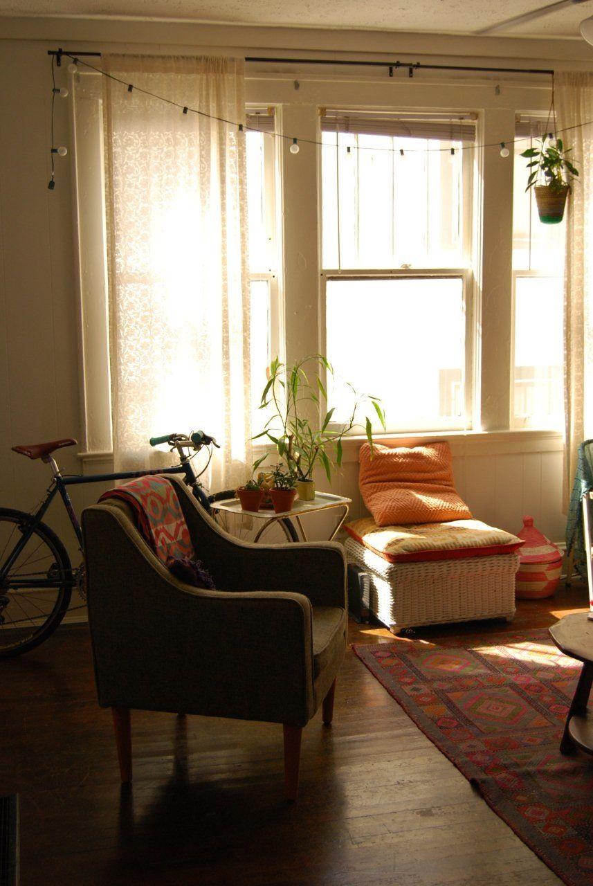 Katie's Cozy Teeny Tiny Boho Studio | Boho living room ...
