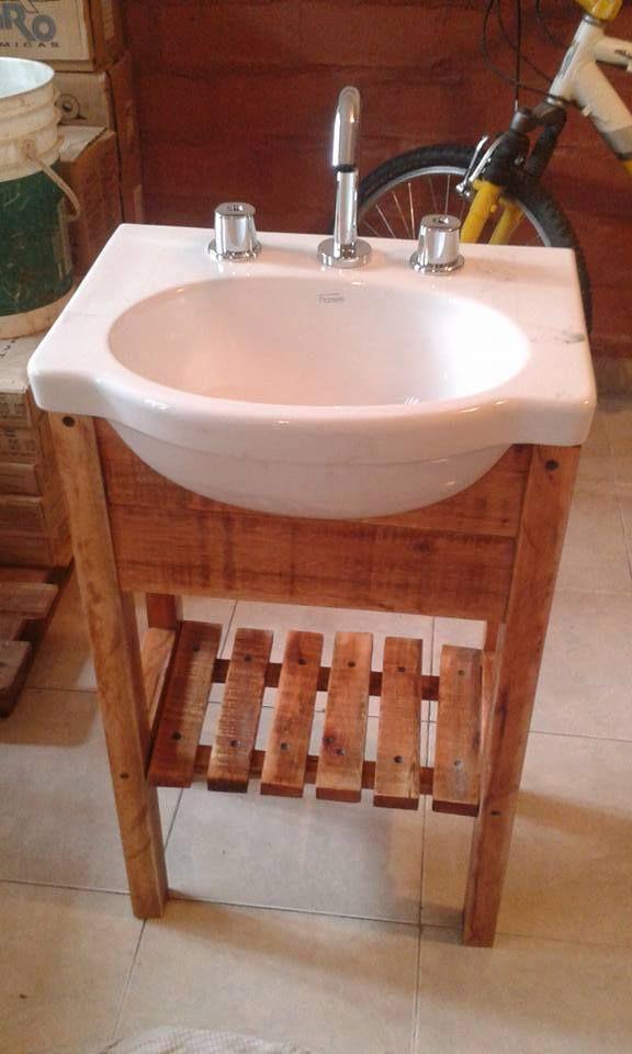 Vanitory fabricado con una pileta y madera de pallet for Pileta palets