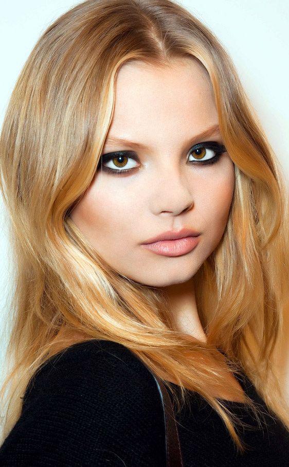Magdalena Frackowiak por Vogue.