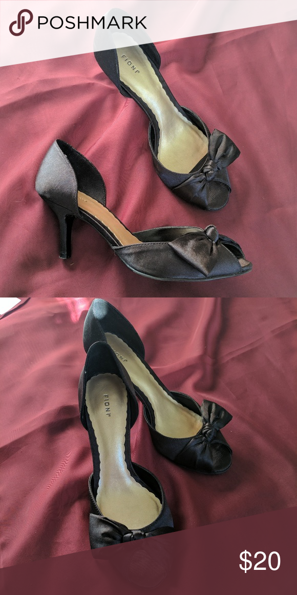 Fioni black heels with bow Open toe. 2 in. Black heels. Fioni. Size 6. FIONI Clothing Shoes Heels