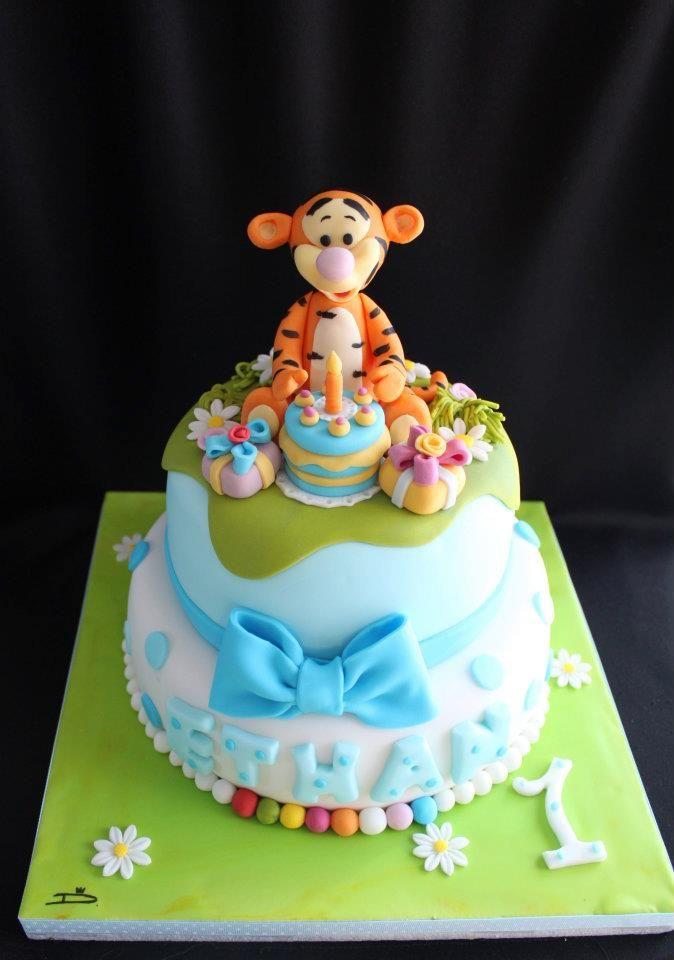 Gateau Pate A Sucre Winnie L Ourson Tigrou Design Cake