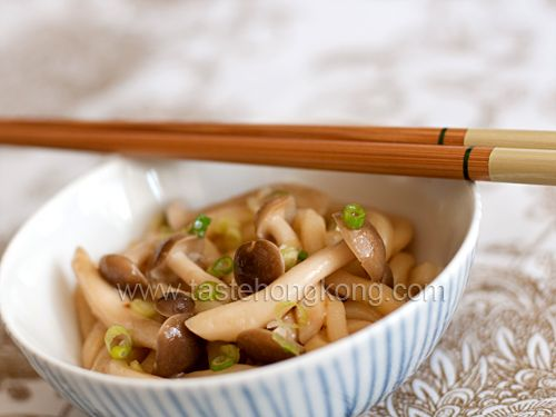 Udon with shimeji mushrooms and miso sauce hong kong food blog udon with shimeji mushrooms and miso sauce hong kong food blog with recipes cooking forumfinder Images