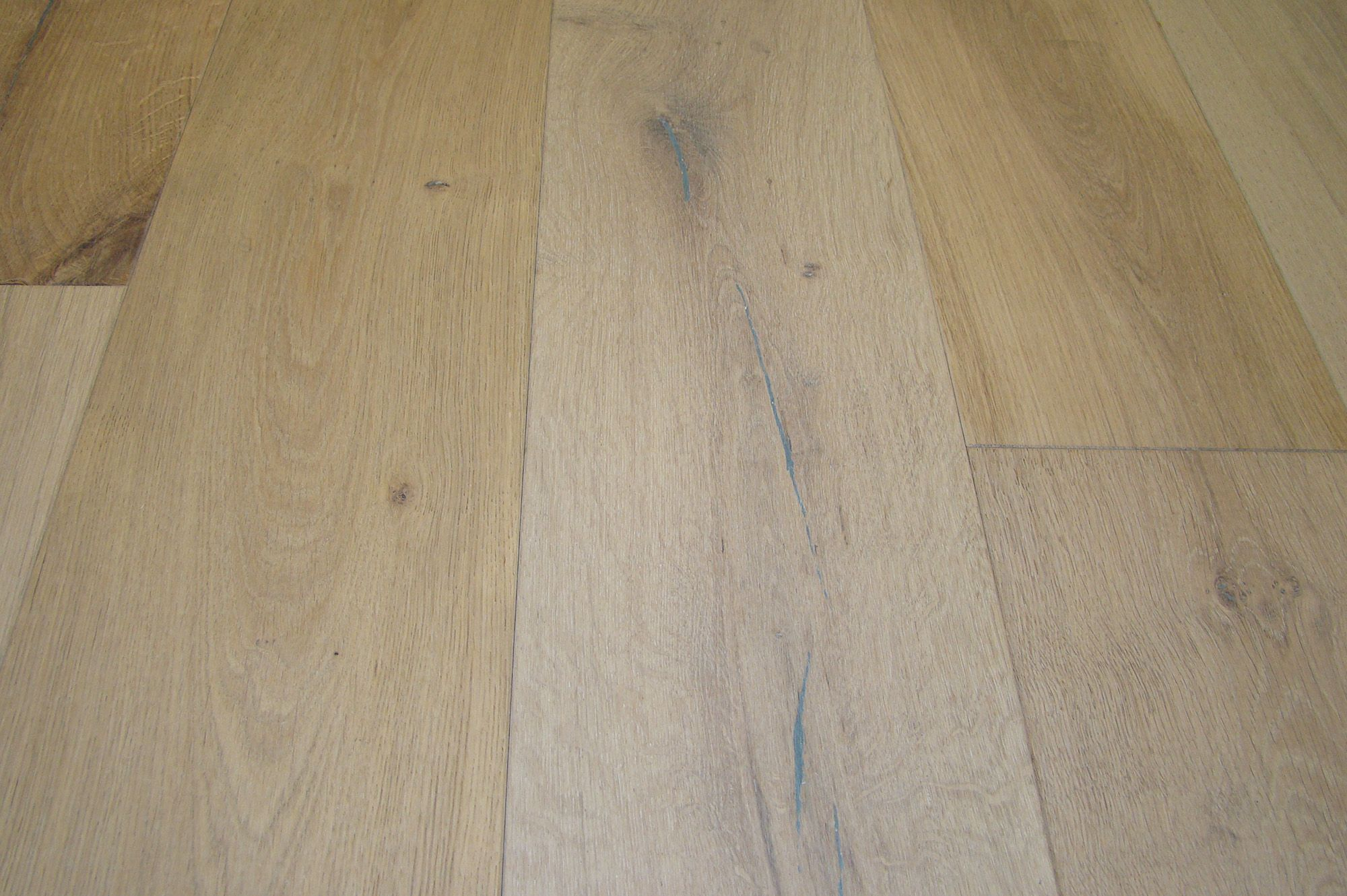 engineered hardwood - baltic oak collection - sedona silver / oak