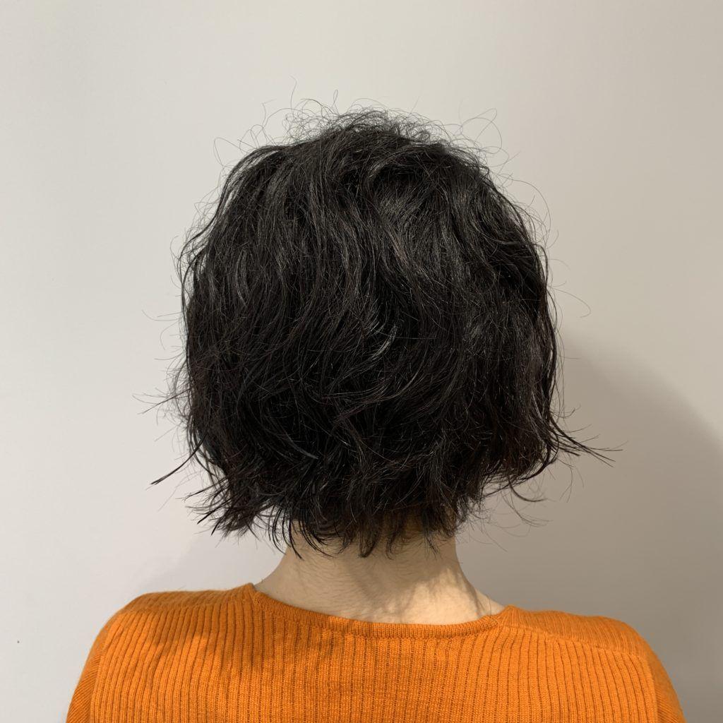 くせ毛を生かした襟足スッキリのショートボブ お客様実例 くせ毛