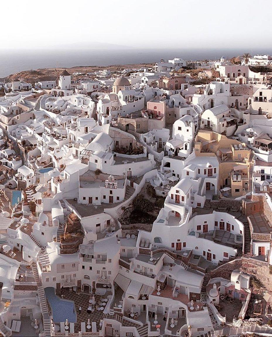 هذا هو سانتوريني اليونان Places To Travel Travel Places To Go