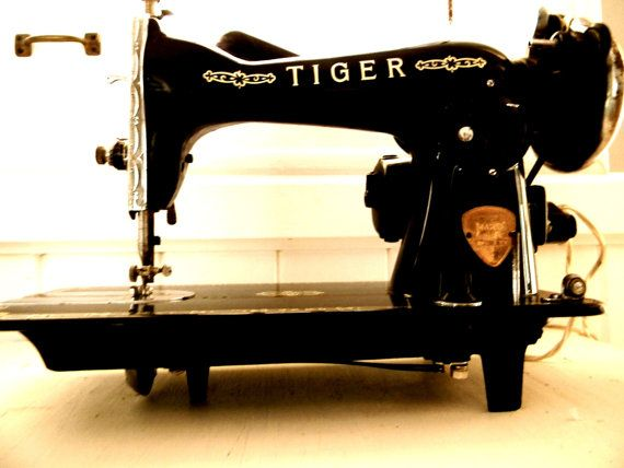 Antique Tiger Portable Electric Sewing Machine Sewing Machine Vintage Sewing Machines Sewing