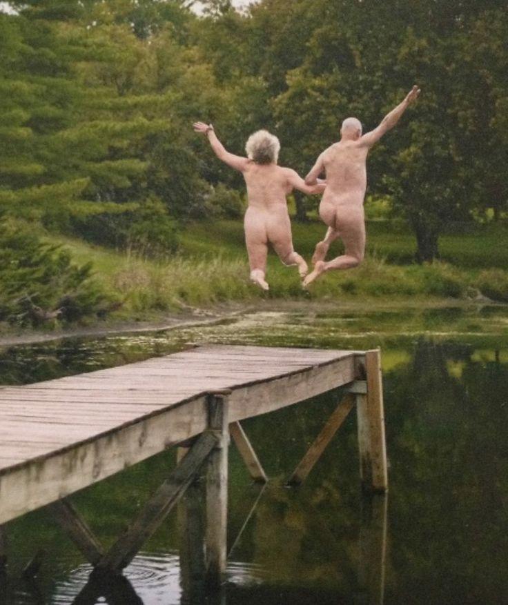 Skinny couple naked pics