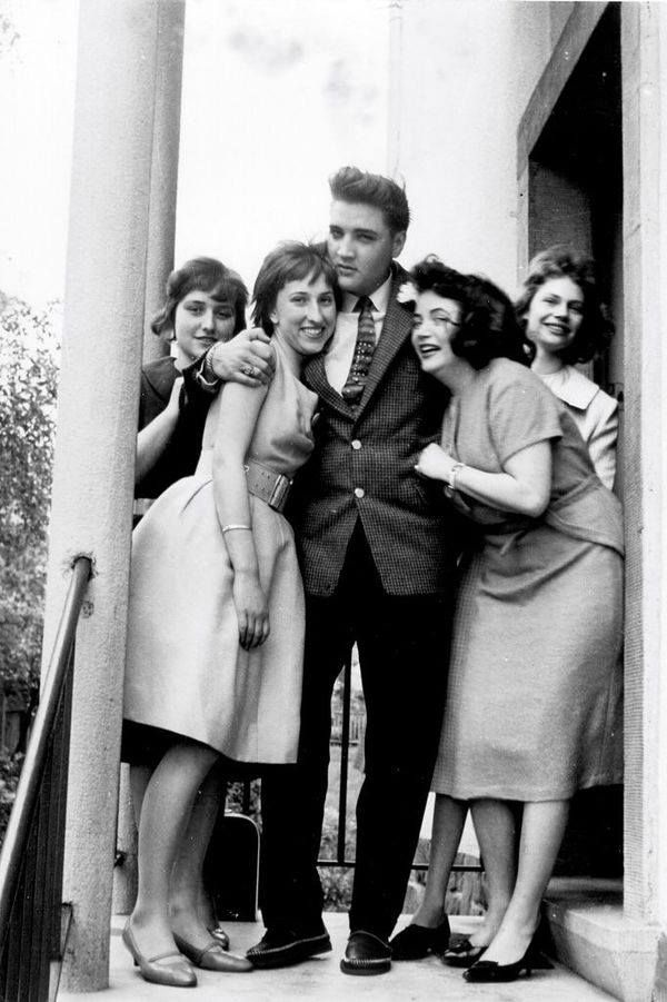 In april 19 1959 at his rented home in Germany , Elvis hosted 4 ...