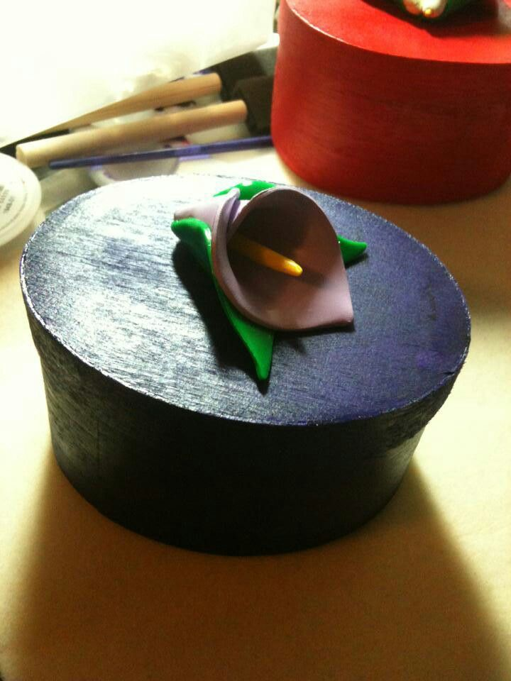 Trinket box with polymer clay cala lilly
