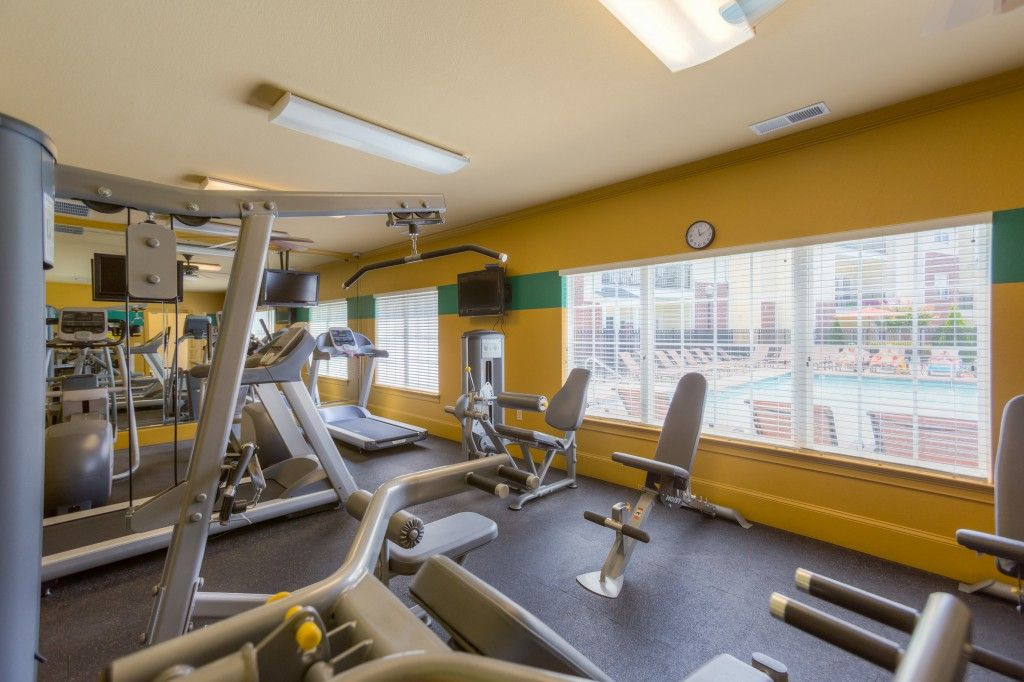 Crowne On 10th S Fitness Center Is Available 24 Hours A Day Fitness Center Fitness 10 Things