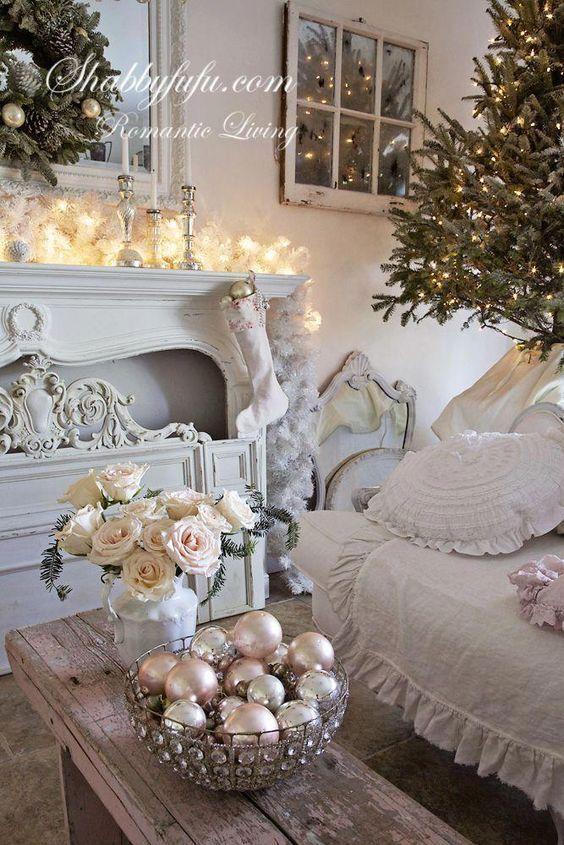 Decorare casa per il Natale in stile shabby chic Salotti