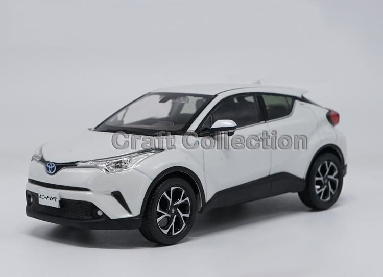 white 1 30 toyota c hr 2017 suv diecast model car chr c hr limited edition diecasts toy. Black Bedroom Furniture Sets. Home Design Ideas