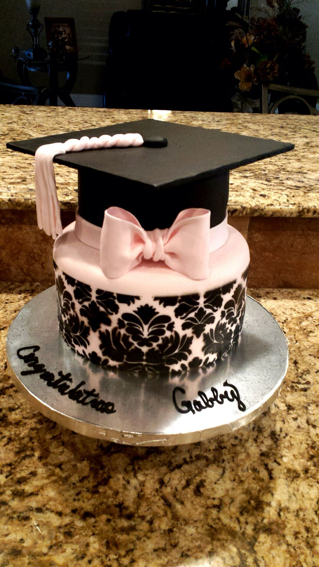 Pin By Gisselle Arce On Graduation Party In 2021 Graduation Cakes Cake Cake Designs