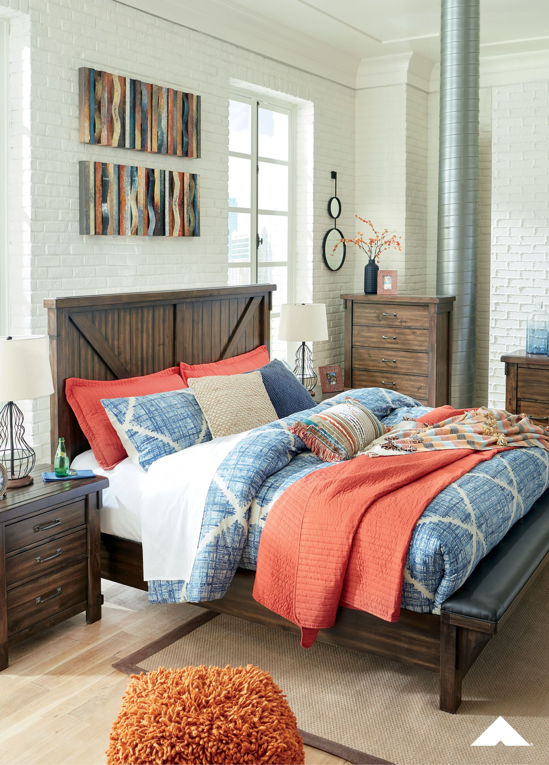 Lakeleigh Panel Headboard And Upholstered Bench Footboard Queen
