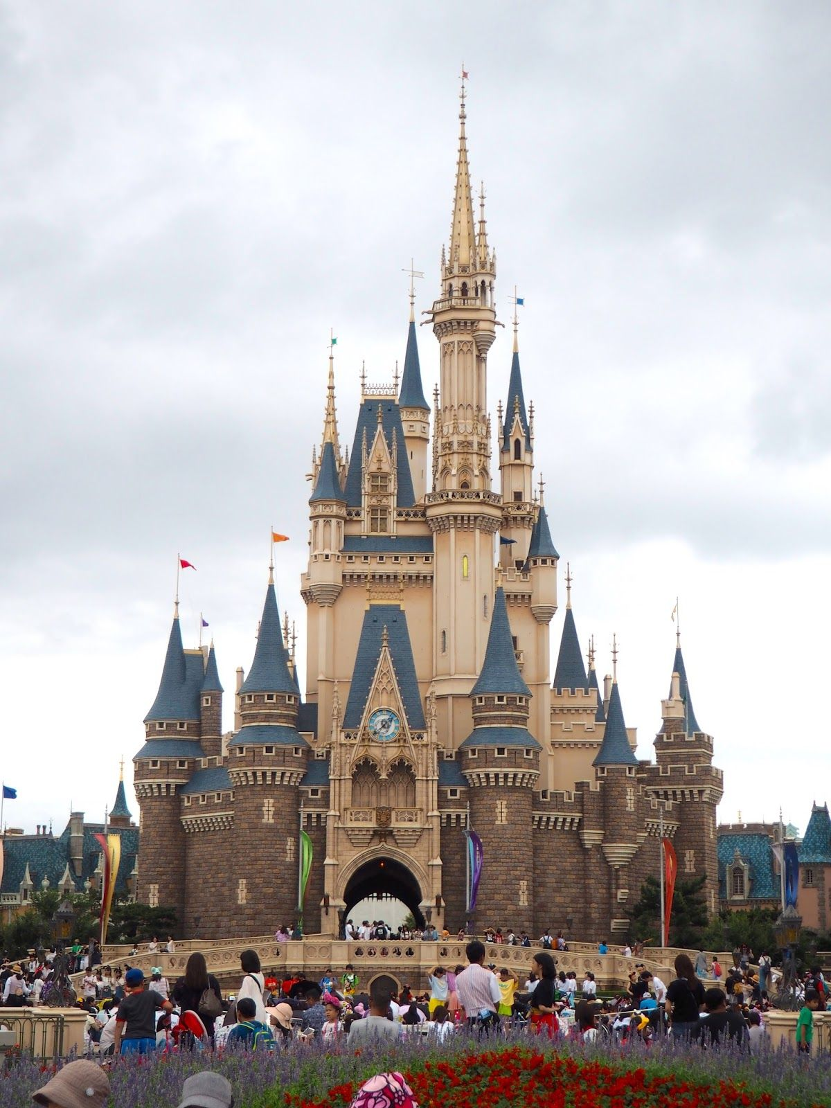 Cinderella Castle Tokyo Disneyland Japan Just Muddling Through