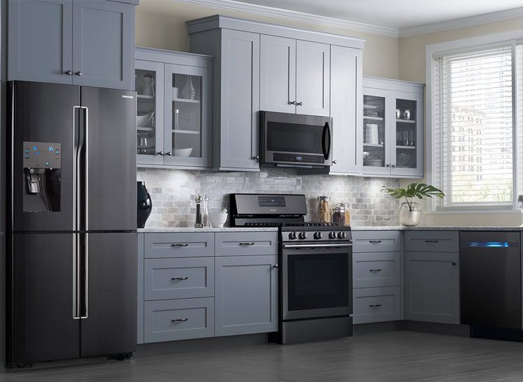 Ge Slate Appliances My Appliances With Grey Cabinets Farmhouse Chic Kitchen Decor Chic Kitchen Decor Farmhouse Chic Kitchen