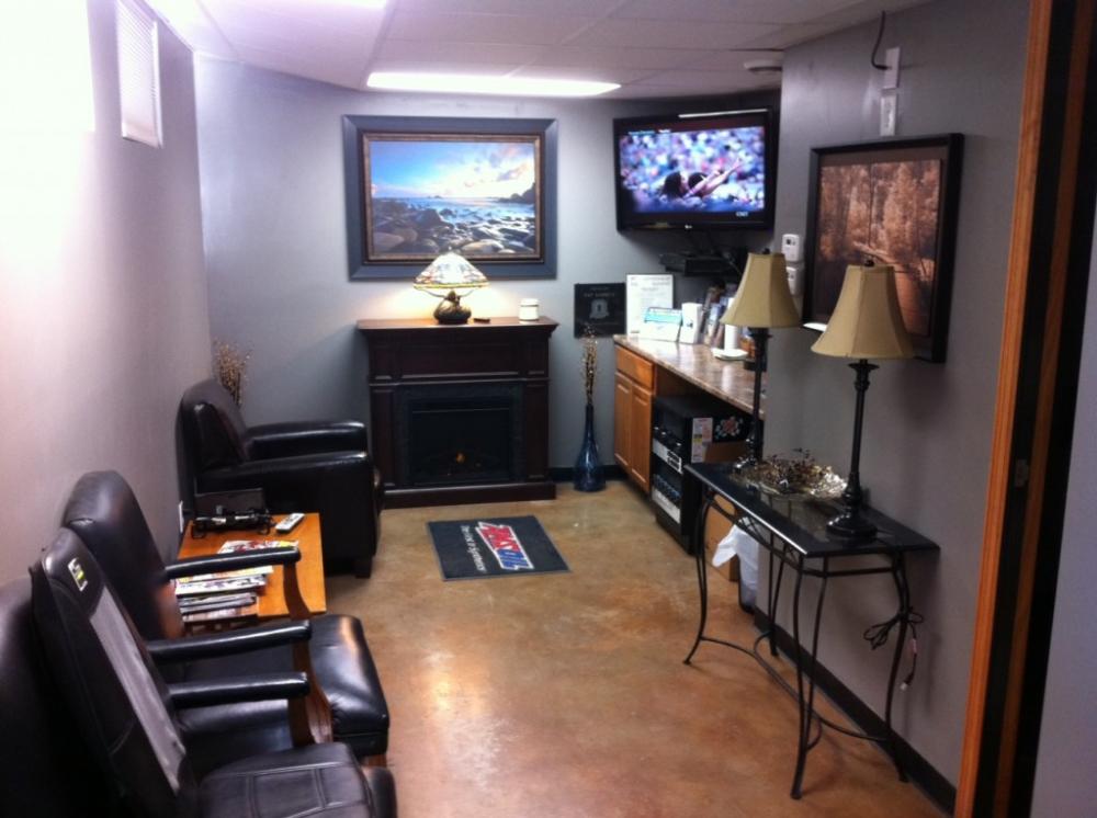 Auto Repair Shop Waiting Rooms Waiting Room Design Auto Repair Shop Office Waiting Rooms