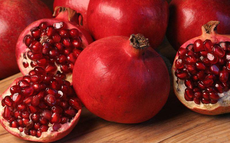 16 Health Benefits of Pomegranates | The Healthy Habit | 1M Health Tips: