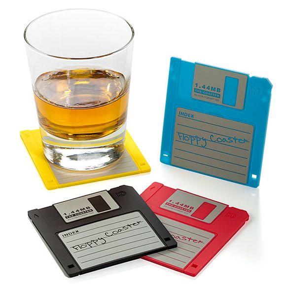 Porta-copos disquetes =)