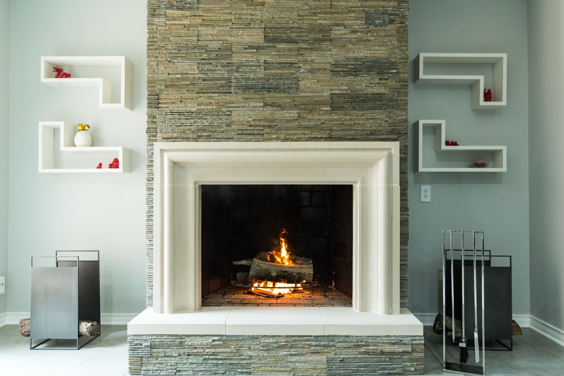 Modern Mid Century Transitional Fireplace An Old World Stoneworks Capri No Cap Livingro Modern Fireplace Mantels Modern Fireplace Mantles Modern Fireplace