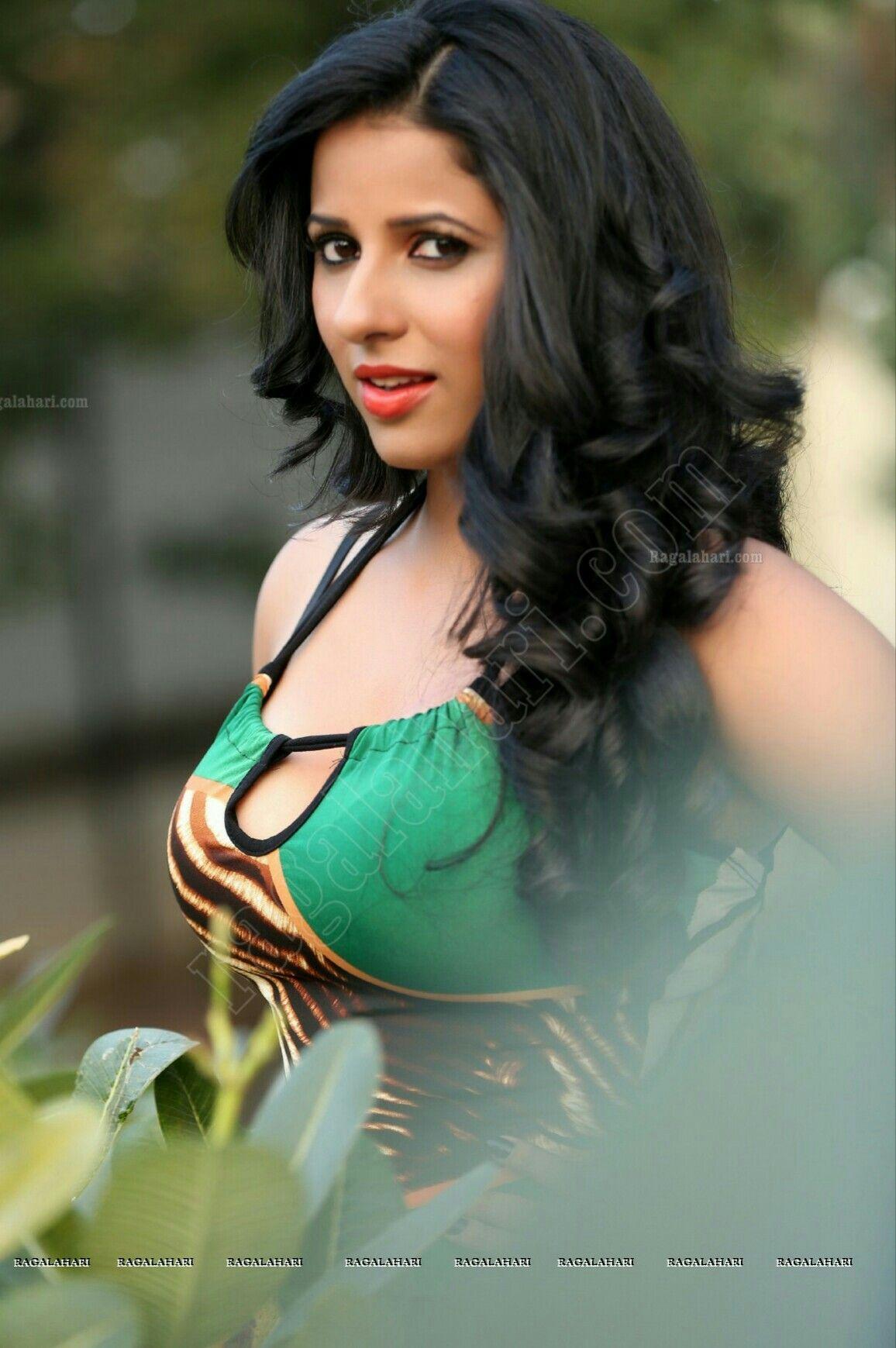 Shravya Reddy   Telugu Actress and Anchor - YouTube