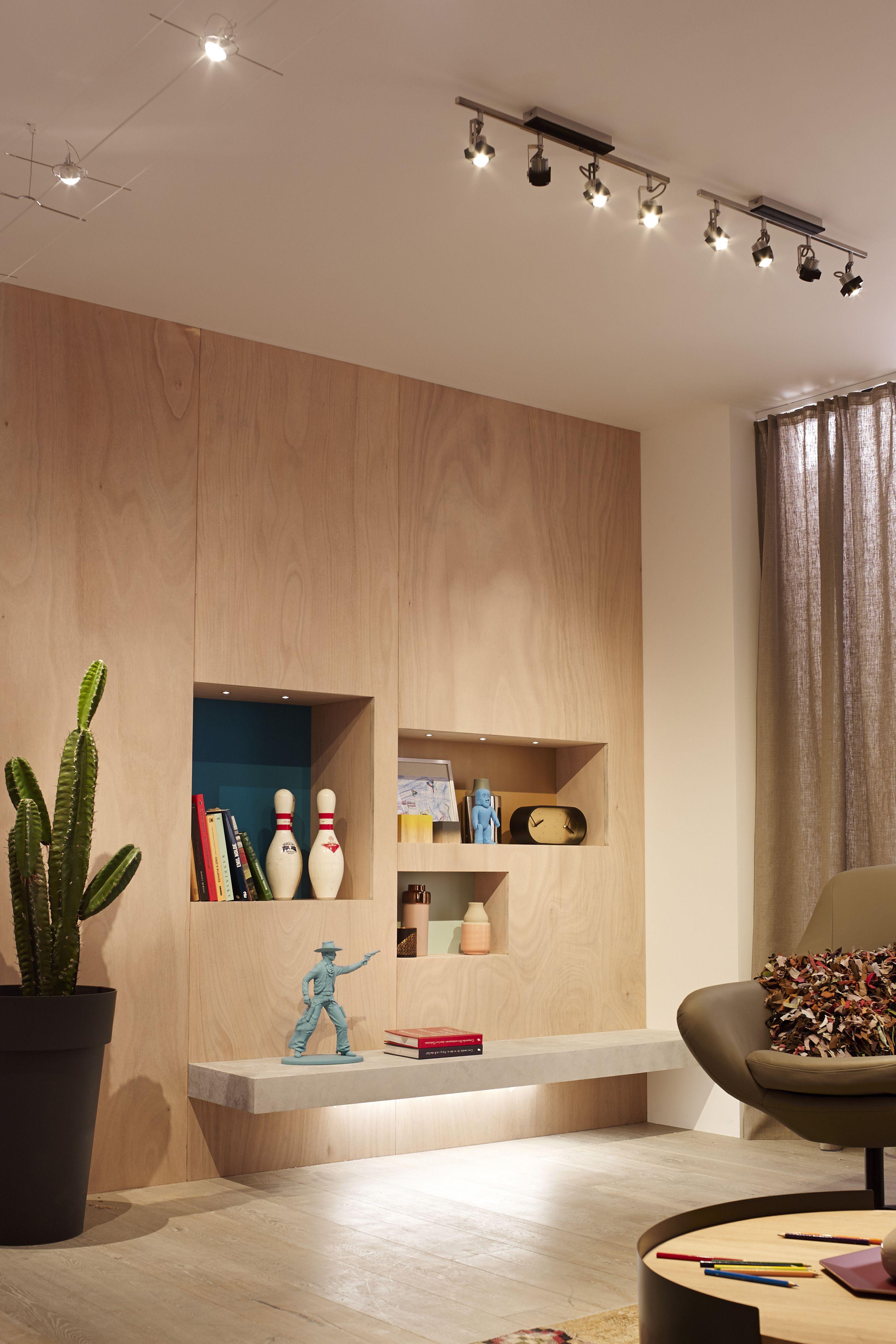 rampe spot led interesting millumine trs grande rampe. Black Bedroom Furniture Sets. Home Design Ideas