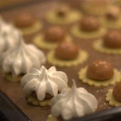 Feenküsse (Toffifee-Baiser-Plätzchen) - Kochliebe #pralinecake
