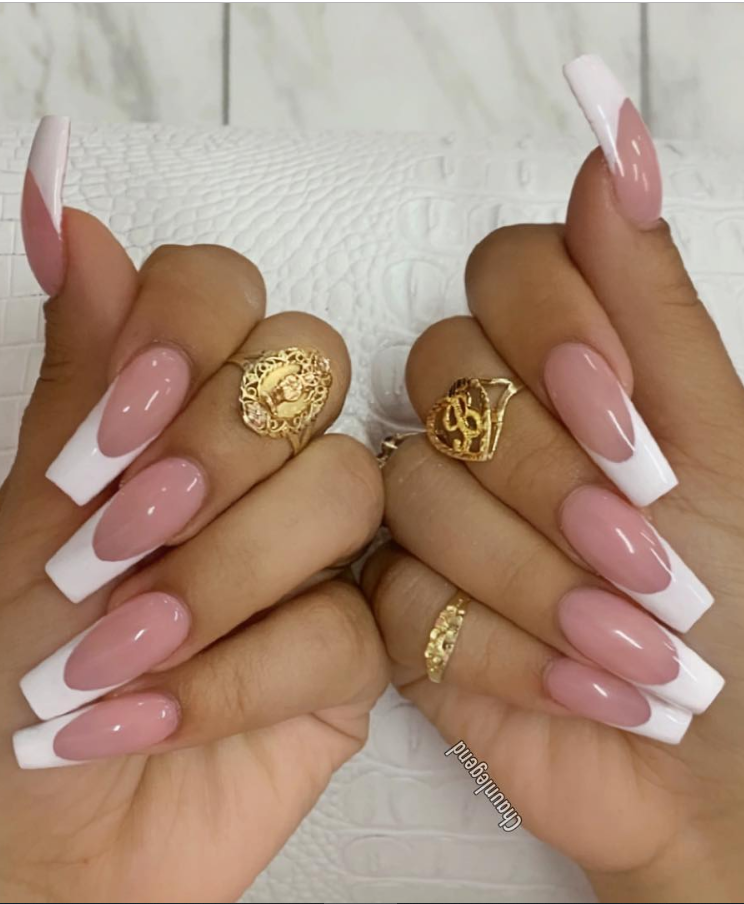 32 Elegant Acrylic Long Nails Design For Summer Nails Coffin Stiletto French Tip Acrylic Nails French Acrylic Nails Coffin Nails Long