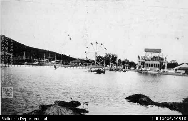 Erich Barth. Parque Recreacional Santa Rosa. SANTIAGO DE CALI 1923: Biblioteca Departamental Jorge Garces Borrero, 1923. 8.5 X 13..