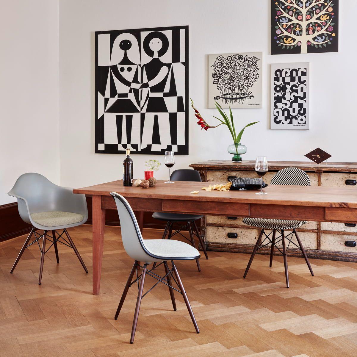 Dsw Stuhl Von Vitra Eames Plastic Side Chair Dsw Connox Eames Esszimmerstuhl Kissen Beistellstuhl