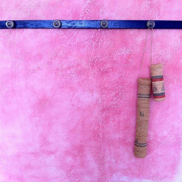 Porte-manteau #diy avec du bois peint en bleu et des poignées de - Peindre Des Portes En Bois