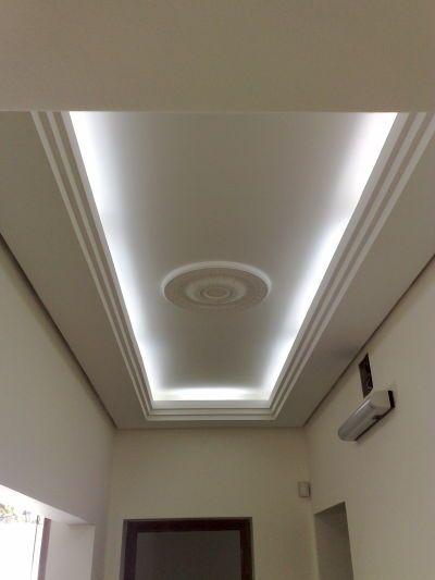 Los plafones son muy usados para agregarle luz led y en for Modelos de cielo falso