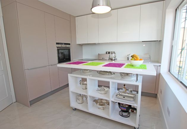 Movable Kitchen Islands Introduce Both Additional Seating