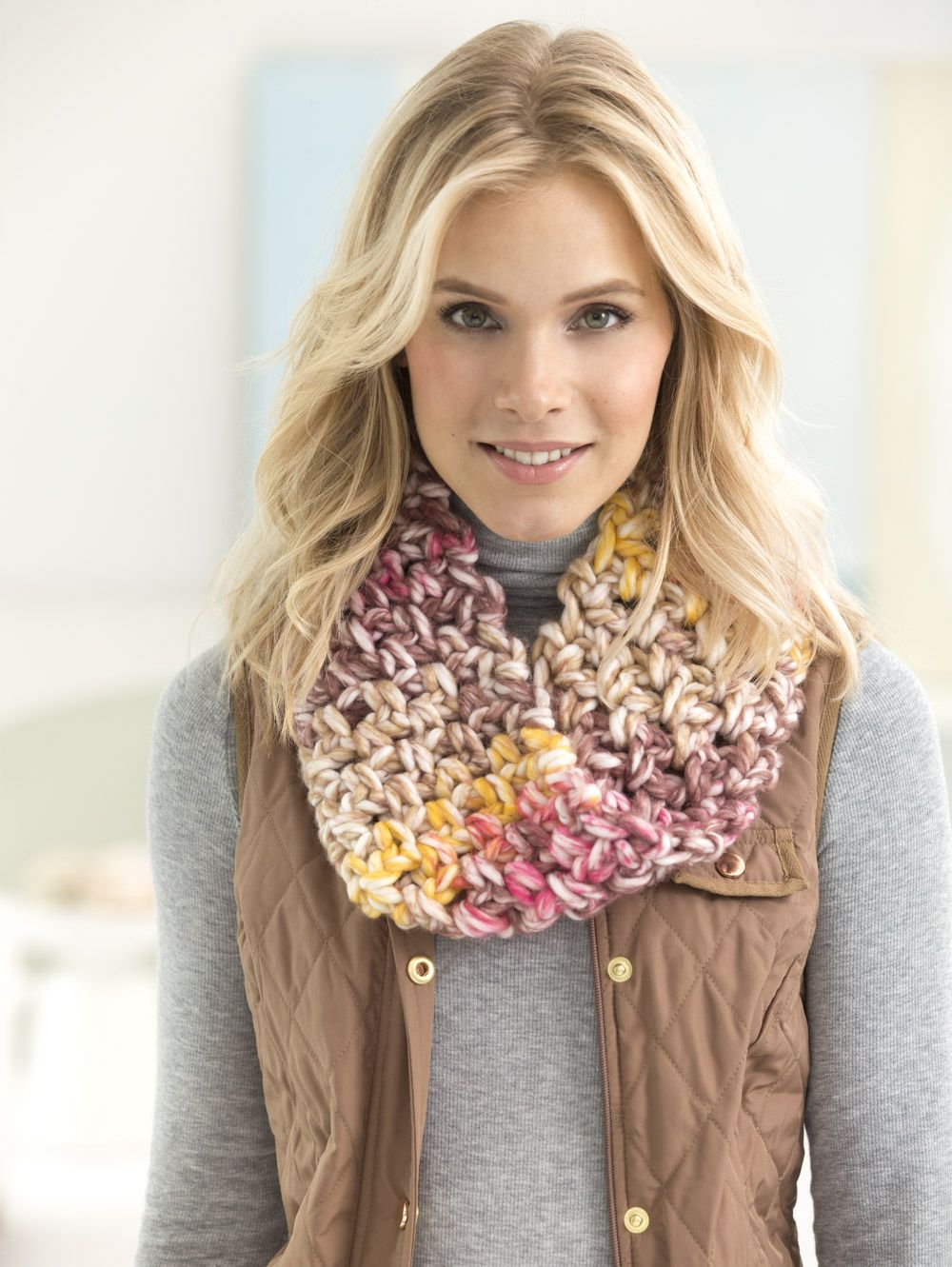 Crochet a trendy chunky cowl with new Color Clouds yarn! Free ...