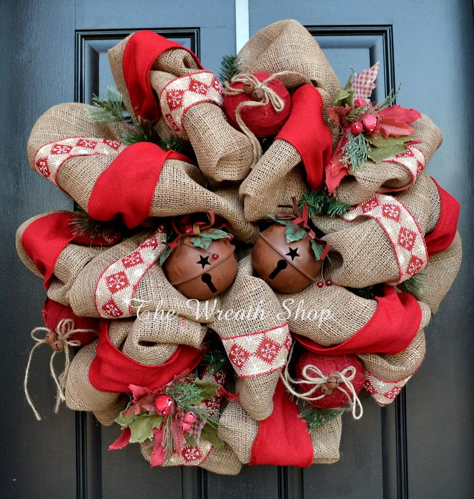 Rustic burlap christmas wreath with sleigh bells burlap for Burlap wreath with lights