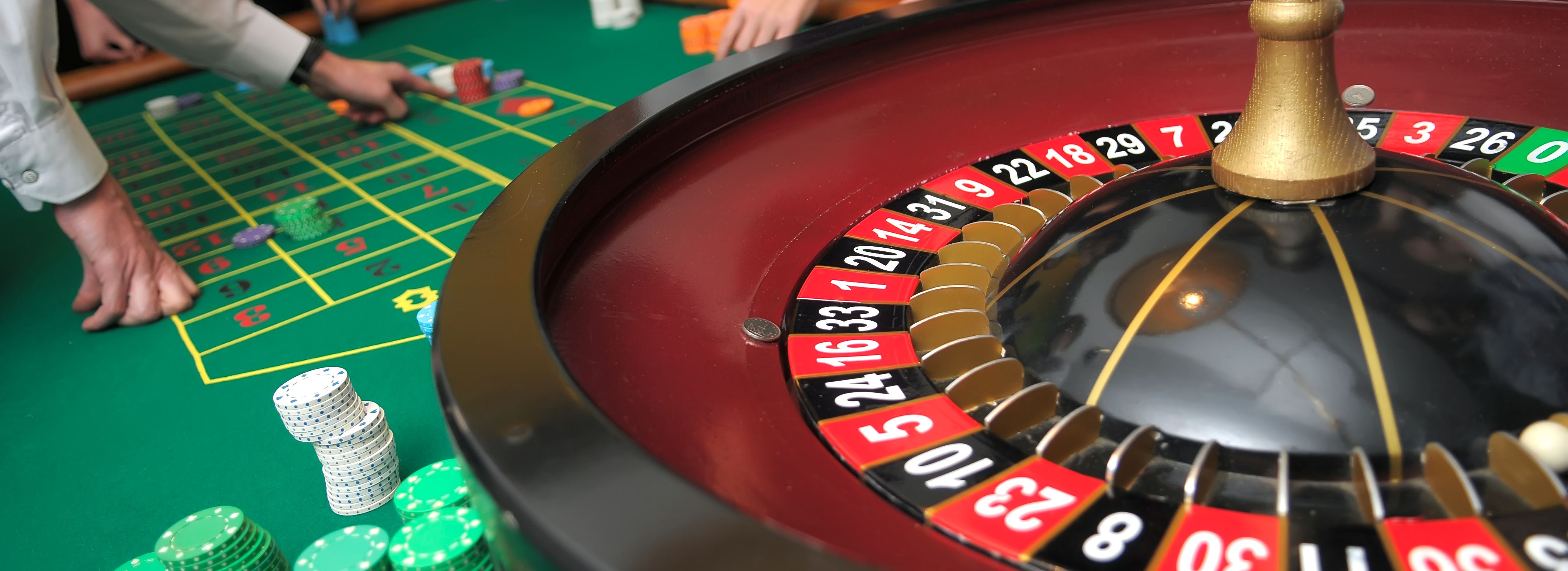 article 42 live casinos vs land based How we rate online casinos in order to make things easier for player when it comes to choosing an online casino and making sure whether it is reliable, we've developed a set of criteria that allows us to rate and rank online casinos.