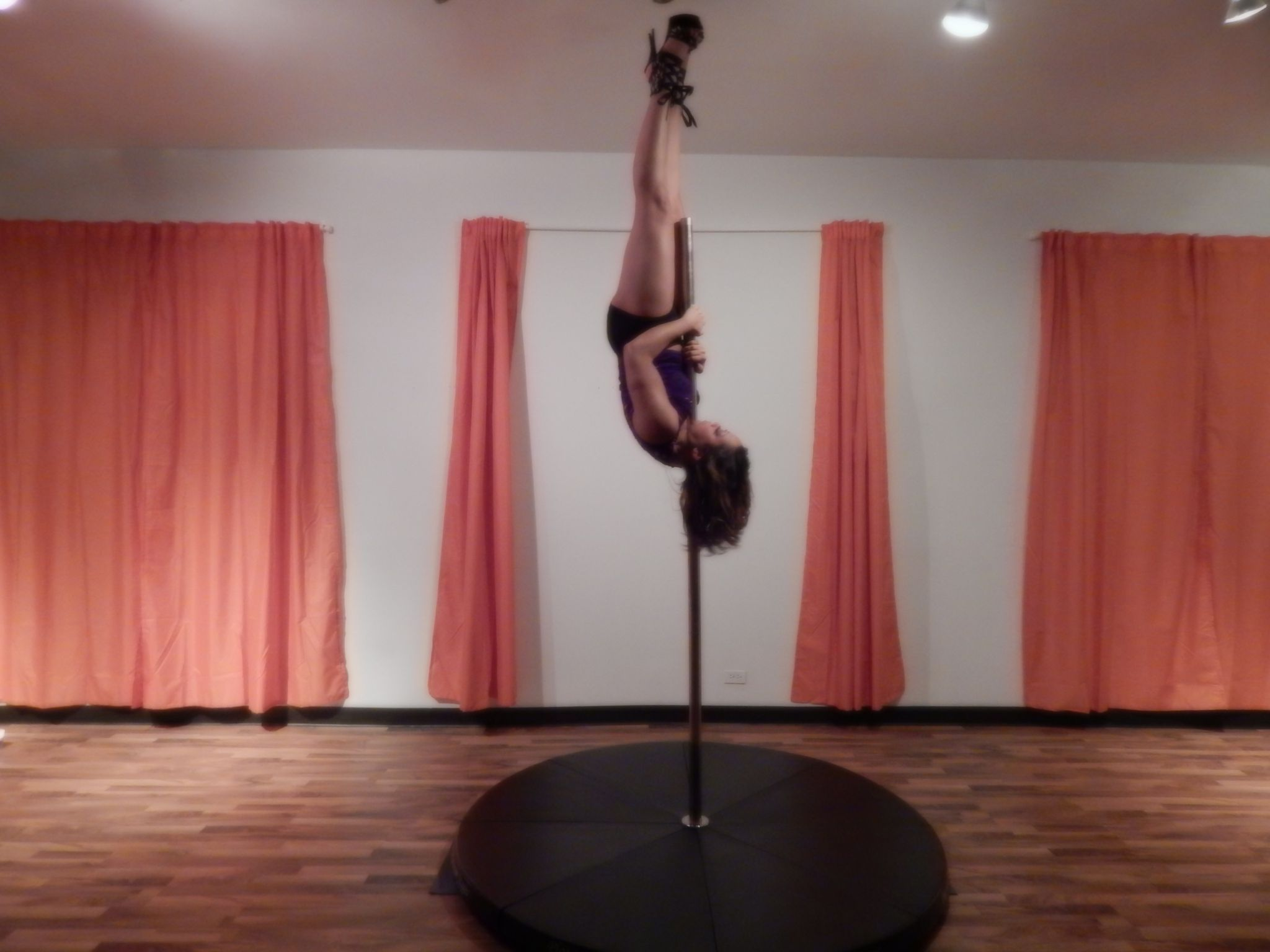 House Of Luxurieux In Farmington Hills Mi Sensuality Dance Chair Dance And Pole Dance Classes Find Us On Mindbo With Images Pole Dancing Pole Dancing Classes Farmington