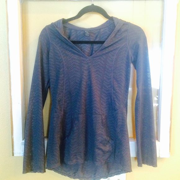 PrAna Angie Mesh Yoga Hoodie Stretch, breathable, quick dry. Perfect for any sporty occasion. Though used, it is in great condition. prAna Tops Sweatshirts & Hoodies