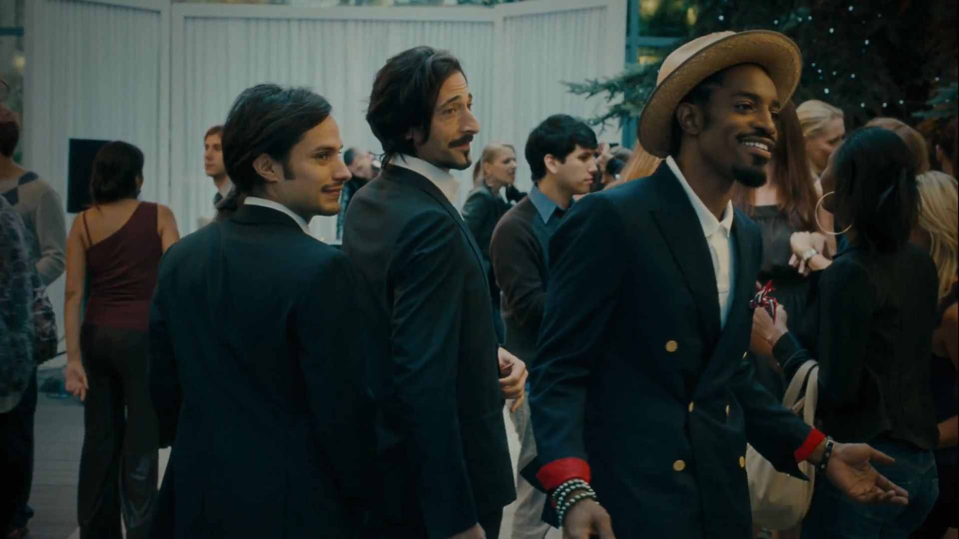 http://www.youtube.com... Is Adrien Brody Playing Piano In Pianist