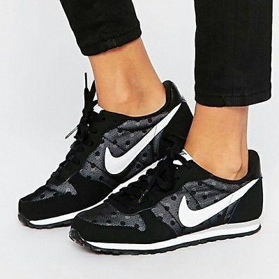 New Nike Women's Genicco Print Athletick Sneakers Training