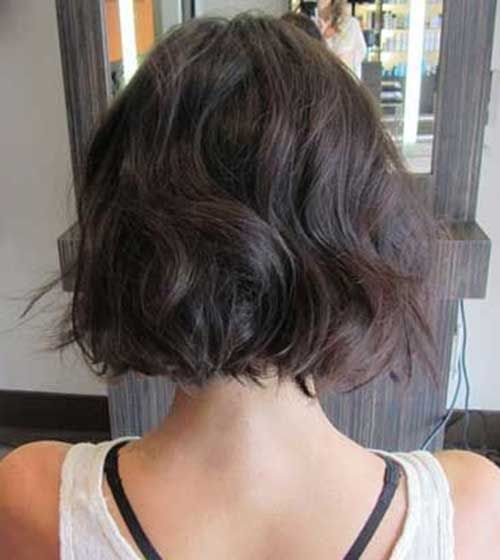 Pin By Riza On Hairstyle In 2020 Short Wavy Hair Hair Styles Short Hair Styles