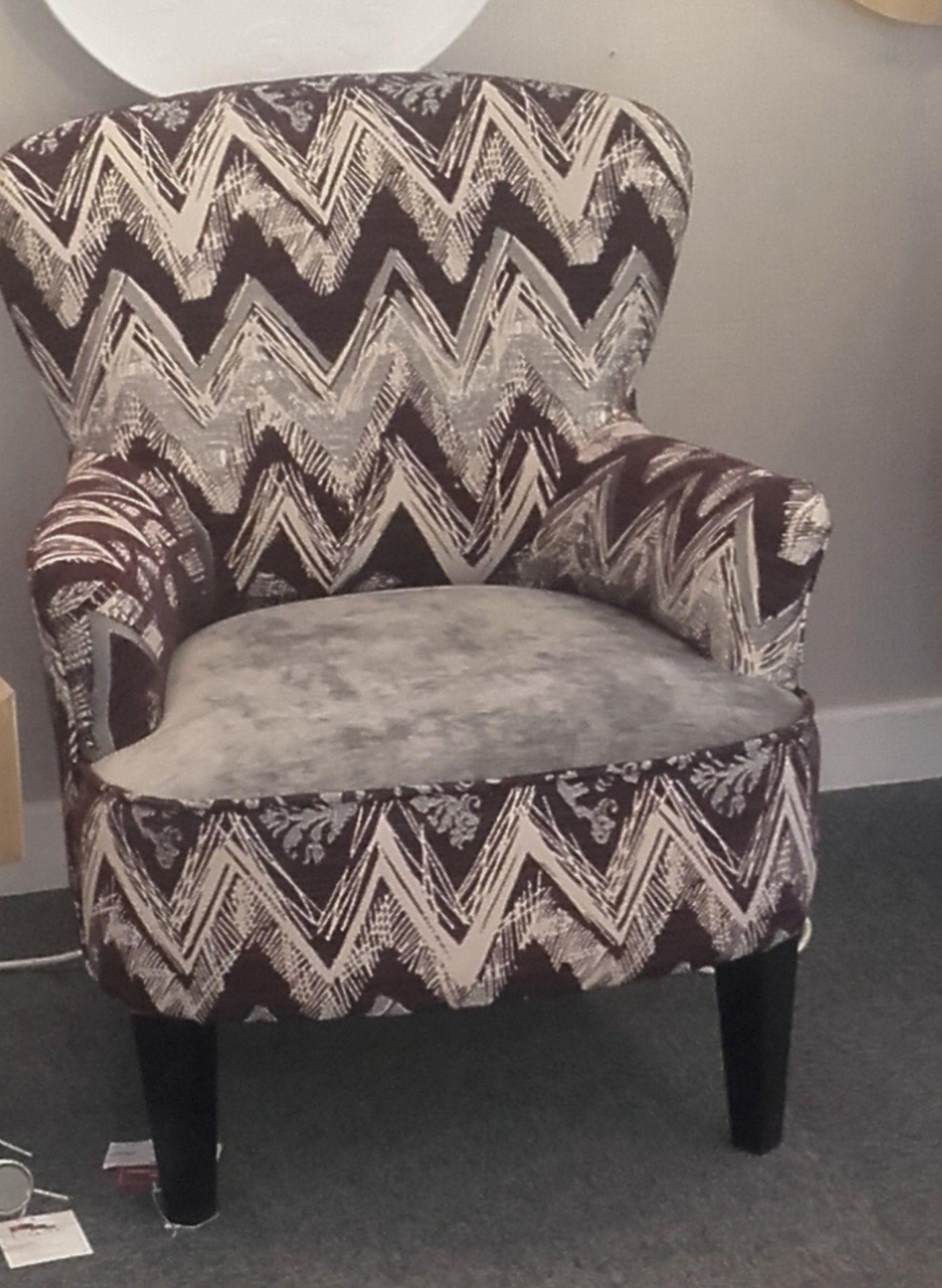 """Fauteuil de forme MARIA100 recouvert du tissu """"atelier90"""" gris"""