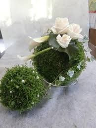 bildergebnis f r mooskugeln floristik pinterest grabschmuck grabgestaltung und gestecke. Black Bedroom Furniture Sets. Home Design Ideas