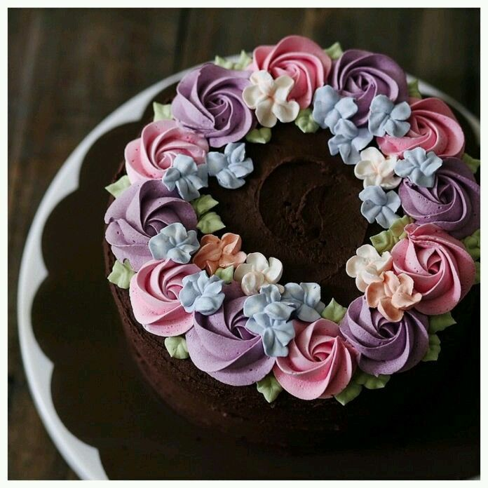 Pipped Pastel Flowers Cake Buttercream Cake Cake Decorating