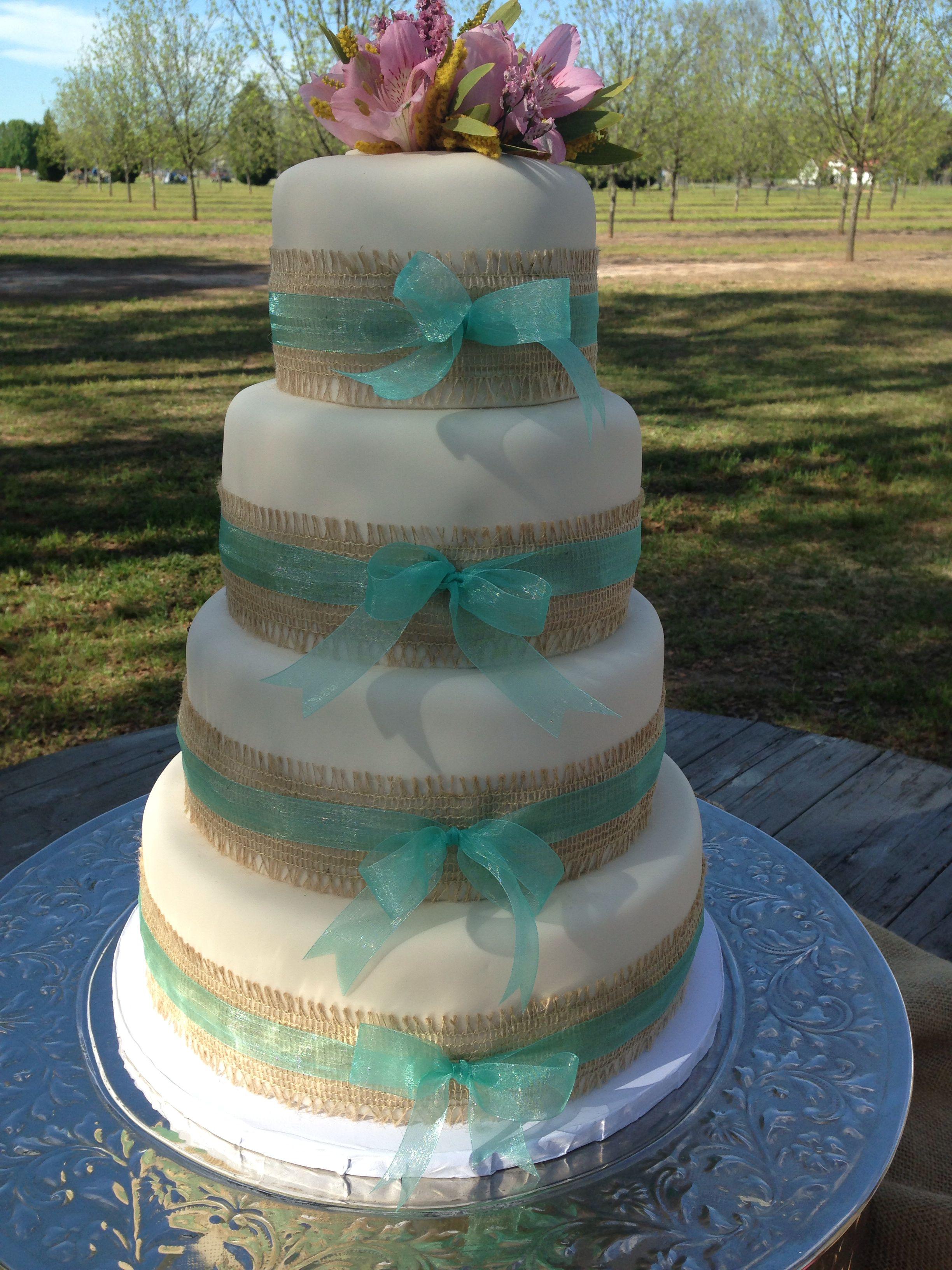 Burlap And Ribbon Wedding Cake Kuirky Cakes Wedding